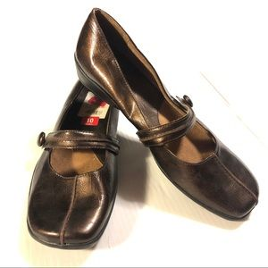 Life Stride Debut Mary Janes in metallic brown 10